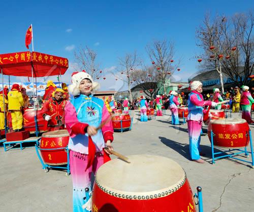 羊年春节秦皇岛集发观光园和共建村庄真热闹(图)